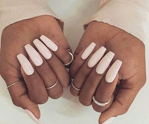 fashion, lunghe, and nails image