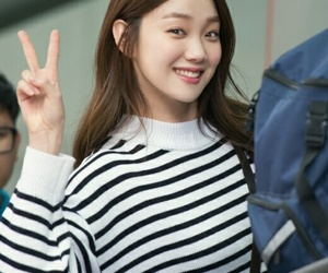 model and lee sung kyung image