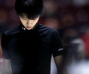 ice skating and yuzuru hanyu image
