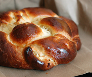 bread, sweet, and challah image