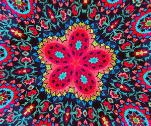 ..tuxpi and .kaleidoscope effect image
