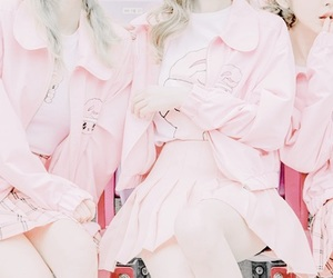 aesthetic, clothes, and pink image