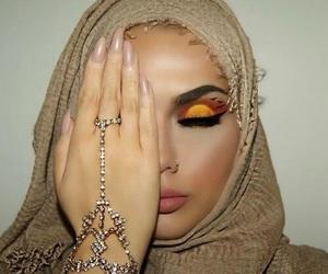 eye shadow, marziyeesarp, and jewelry image
