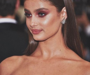 famous, met gala, and taylor hill image