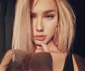 girl, beauty, and mollyomalia image