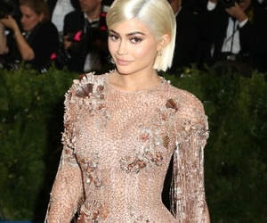 fashion, kylie jenner, and lips image