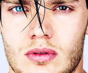 dominic sherwood and shadowhunters image