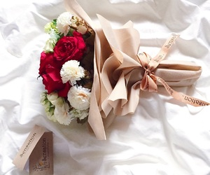 bouquet and flower image