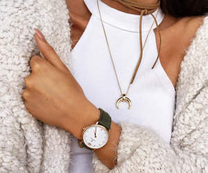 fashion, white, and necklece image