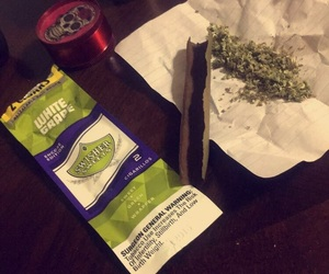 iloveweed, smokeitup, and rollitup image