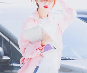 beauty, JYP, and momo image