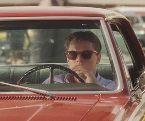 article, catch me if you can, and leonardo dicaprio image