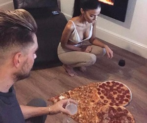 love, pizza, and Relationship image