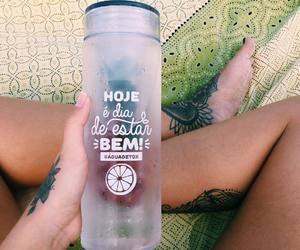 bottle and água image