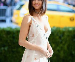 selena gomez, beauty, and met gala image