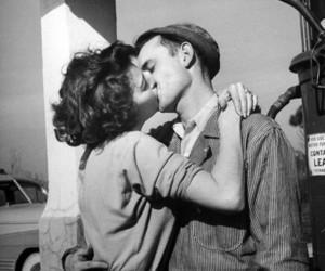 kiss, couple, and vintage image