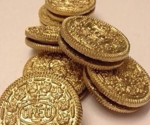 food, gold, and oreo image