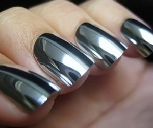 nails and unghi image