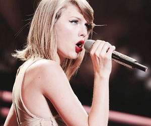 celebrity, famous, and taylor image