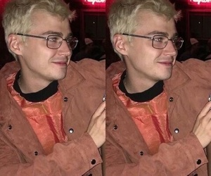 13 reasons why, miles heizer, and 13rw image