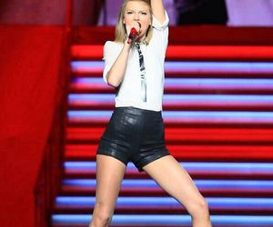 hot legs, Taylor Swift, and on her the red tour image