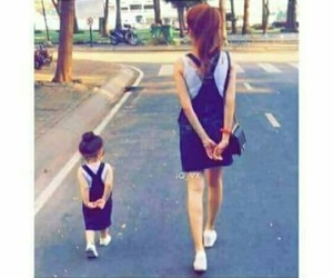 girl, بُنَاتّ, and اطفال image
