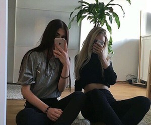 girl, tumblr, and friends image