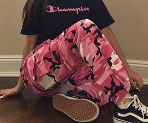 outfit, pink, and vans image