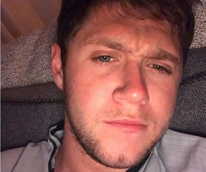 niall horan, one direction, and slow hands image