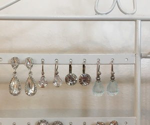 chic, earring, and earrings image