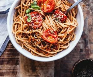 food, pasta, and tomato image