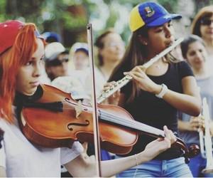 venezuela, orquesta, and protesta image