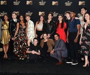 cast, serie, and 13 reasons why image