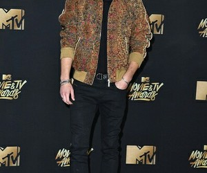 mtv awards, 13 reasons why, and justin foley image