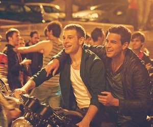 3msc, mario casas, and pollo image