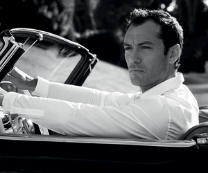 jude law and car image