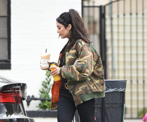 candid and vanessa hudgens image