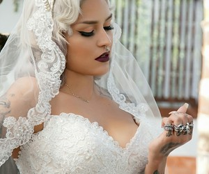 boobs, jewelry, and makeup idea image