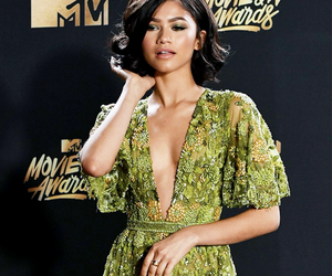 zendaya, dress, and mtv image