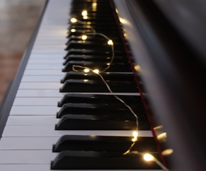 aesthetic, fairy lights, and music image