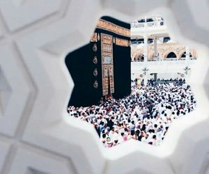 muslim and hajj image