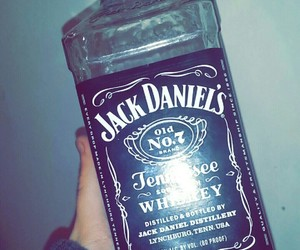 alcohol, drink, and jackdaniels image