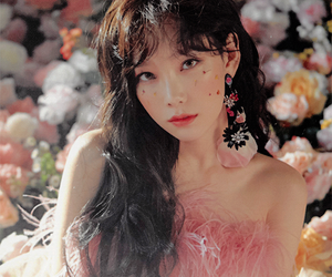 girls generation, taeyeon, and snsd image