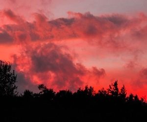 red, sky, and sunset image