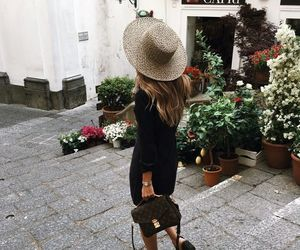 style and travel image
