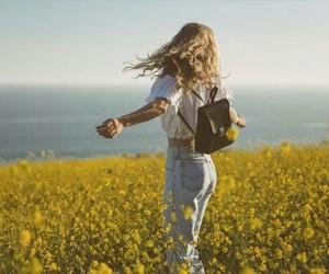 girl, love, and naturaleza image