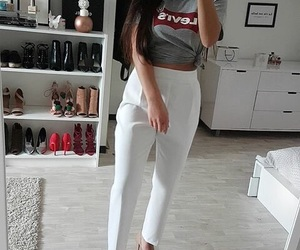 levis and ootd image