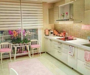 color, kitchen, and decorations image