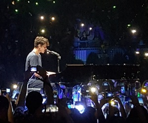 beautiful, shawn mendes, and iiiuminate tour image