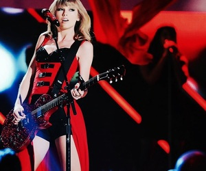 celebrity, red, and taylor image